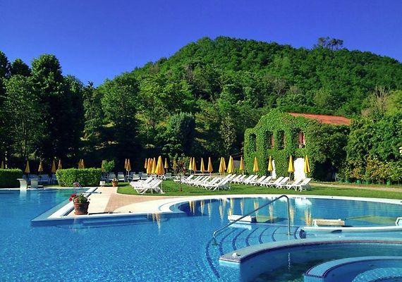 Hotel Terme Preistoriche モン...